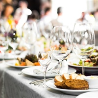 Tips for choosing the right corporate catering